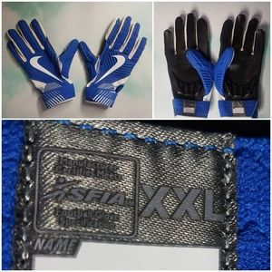 Nike Lineman D-Tack Football Gloves